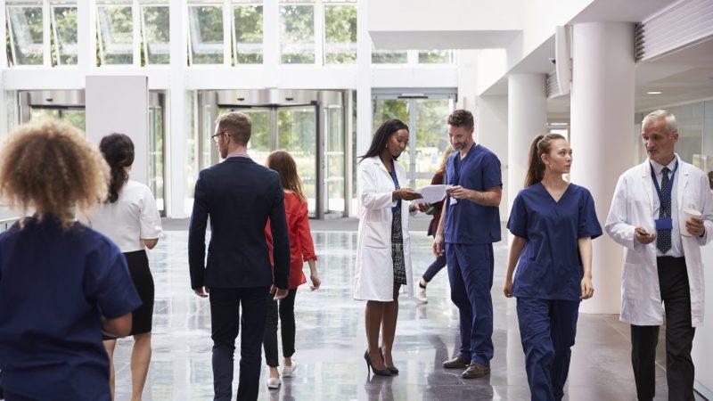 Staff,In,Busy,Lobby,Area,Of,Modern,Hospital